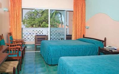 Kenya_Mombasa_Kikambala_Beach_Sun_N_Sand_Beach_Resort._Room_1_f4e875185f65f7e29d9eca5f5badfca2_600x400