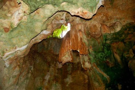 shimoni-cave