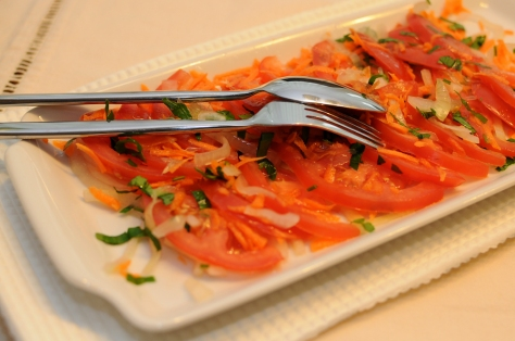 Kachumbari-–-Fresh-Tomato-and-Onion-Salad-2