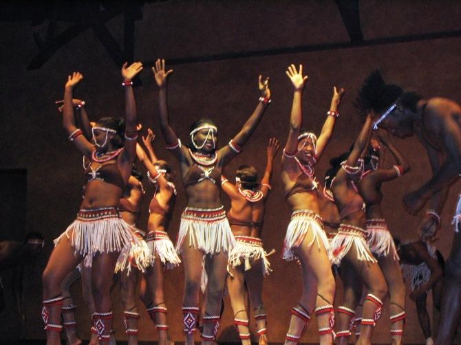 kenya_dance_bomas