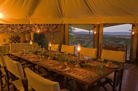 Olseki dining table