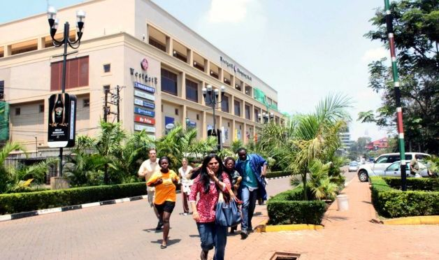 Kenyans unite to assist Westgate Mall Attack victims