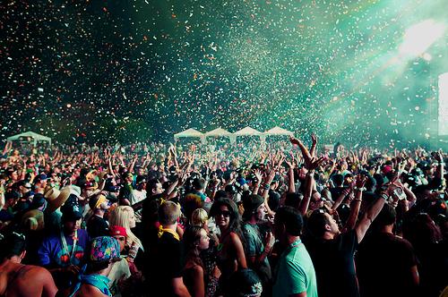tumblr_static_dance-friends-night-party-rave-favim.com-120797