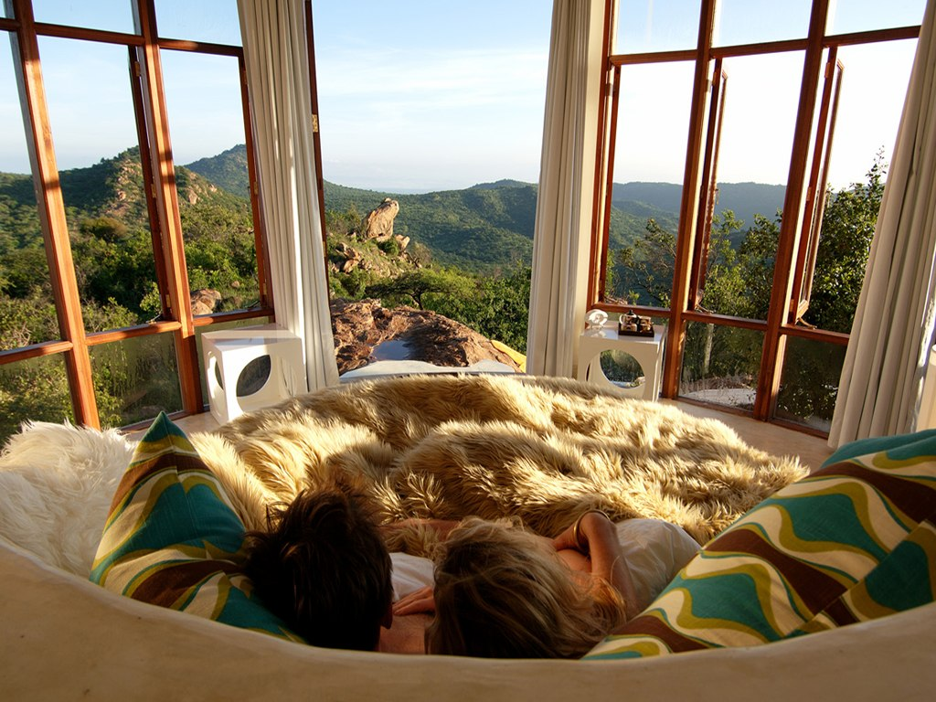 15 amazing and romantic hotels lodges in kenya tusafiri for Luxury romantic hotels