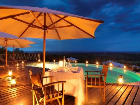 mara_bushtops_camp-_pool_nachts