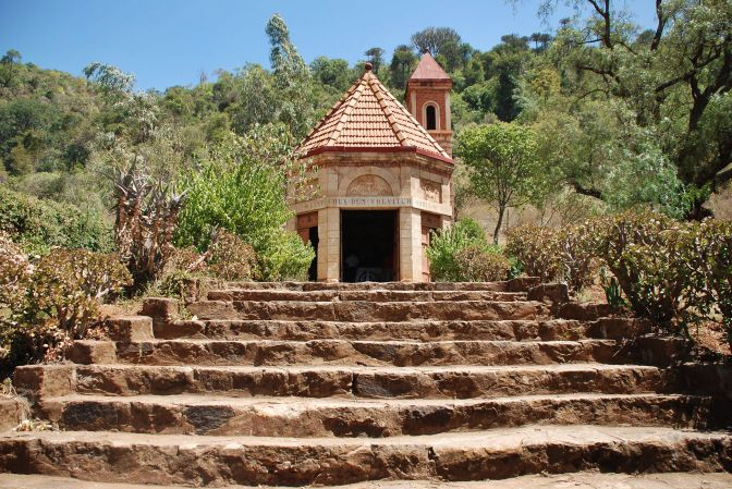 LITTLE TRAVELERS CHAPEL ON THE HILL