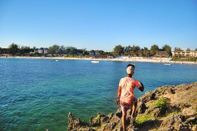 HUSSEIN GUIDA TURISTICA: THE 'BEACH OPERATOR' WITH A DREAM